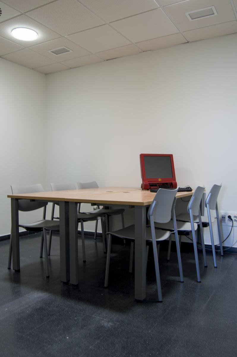 Reserva de Salas de Trabajo en Grupo | Biblioteca